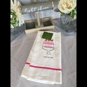 Kate Spade ♠️ Take The Cake Towel Set